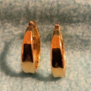 Vintage Gold-tone hoop, pierced earrings 1980s